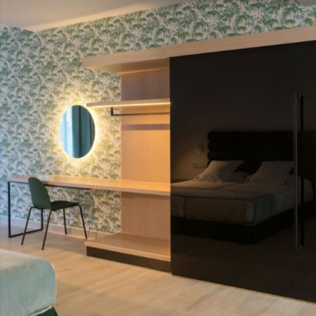 Hotel 11